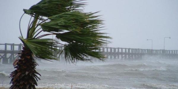 #WEBCAM Golfo di Gaeta: Condizioni meteo avverse con vento forte e mareggiate