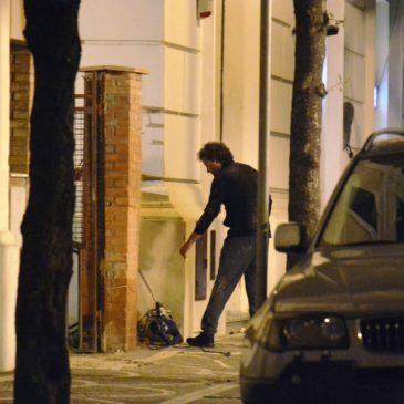 Pieraccioni Film a Gaeta: Ecco le foto mentre L'attore gira la scena della Banca
