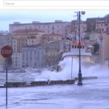 *VIDEO* Gaeta: La mareggiata del 1 dicembre 2013