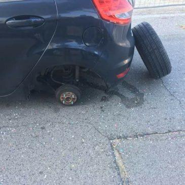 Gaeta: si stacca una ruota e colpisce le auto in sosta a Serapo