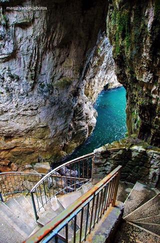 Storia di Gaeta: La Montagna spaccata e la Grotta del Turco