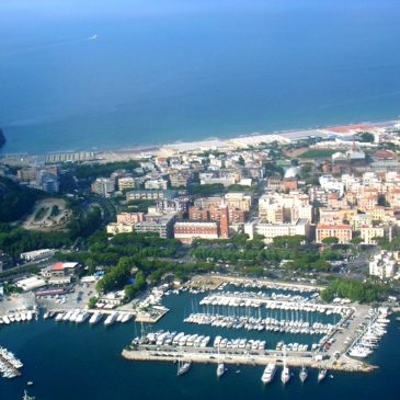 """Gaeta: dal 1991 Bandiera blu per gli approdi turistici grazie alla Base Nautica """"F.Gioia"""""""