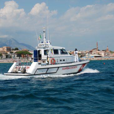 Gaeta: ferragosto con patenti nautiche scadute, barche nella Grotta del Turco e sulla spiaggia di SanVito