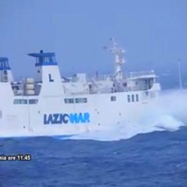 *Video* Traghetto da Ponza, parte ma in condizioni estreme