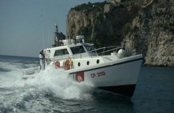 Gaeta: paura al largo di punta stendardo, barca a vela e natante si scontrano