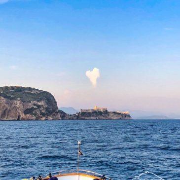 La foto dell'amore del Mare per Gaeta