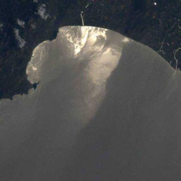 Gaeta vista dallo spazio: l'astronauta Parmitano fotografa Gaeta e Formia