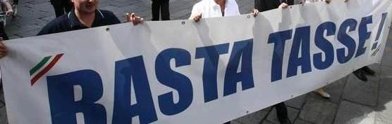 Gaeta, nel comune si riunisce il Consiglio, fuori dal comune la protesta
