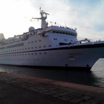 """Gaeta: Attracca al porto la Nave da Crociera """"FTI BERLIN"""""""