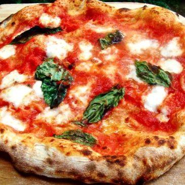 La vera pizza napoletana? La parola nasce a Gaeta nel 997 d.C