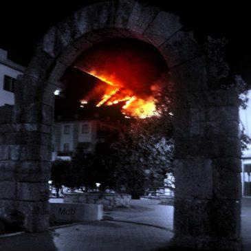 Basta Incendi – Fiaccolata Spenta contro gli incendi provocati dall'uomo