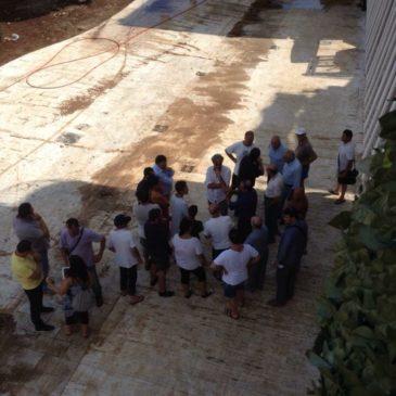 *FOTO* Gaeta Allagamenti in Via Buonomo: è in corso una riunione in LOCO tra il sindaco e i commercianti