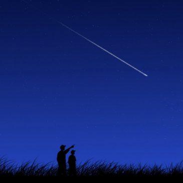 Cielo senza Luna e le stelle cadenti brillano 2 volte