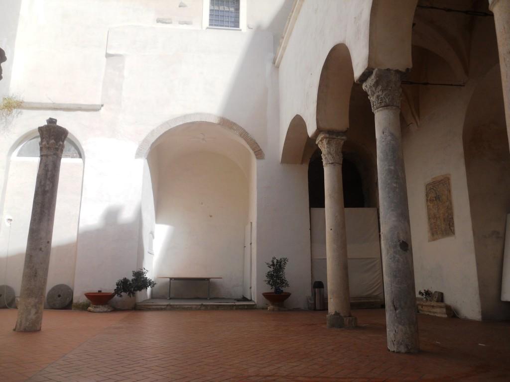 Gaeta,_ex_chiesa_di_San_Salvatore_1