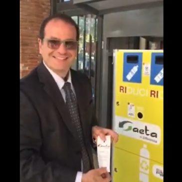 VideoTutorial sull'utilizzo degli EcoCompattatori girato dal Sindaco Cosmo Mitrano