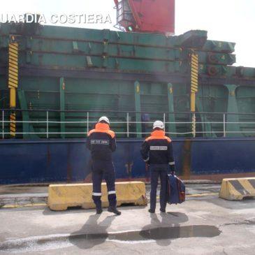 La Guardia Costiera di Gaeta blocca nave Libica nel porto commerciale