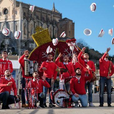 """VIDEO: Lo Sciuscio di Gaeta parte con la """"Signora del Vento"""" navigando nel web"""