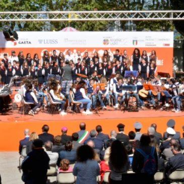 Prende il via oggi a Gaeta sul palco di Piazza della Libertà la quartaedizione del Festival dei Giovani